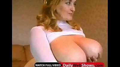 Huge tits overhead webcam - DailyWebShows.com