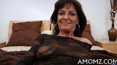 Addicted mature in a hot act