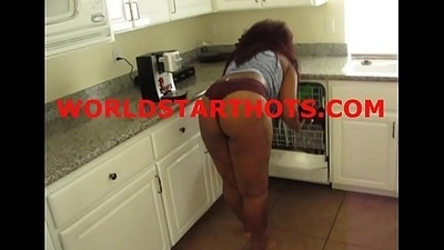 Ebony thot obtaining dick .... worldstarthots.com