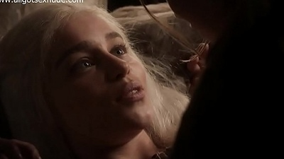 Daenerys Targaryen (Emilia Clarke) in auntie scene of Game Of Thrones