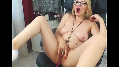 Blonde Milf on Web camera - exquisitecamgirls.com