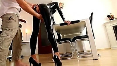 milf latex in and extreme schau mal auf wither away seite frauenmeister