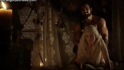 Daenerys Targaryen (Emilia Clarke) in sex and nude instalment of Game of Thrones